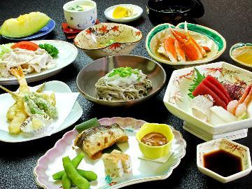 【部屋食☆確約】ゆったりお食事を・・・♪旬の食材を活かした料理コース[1泊2食付]