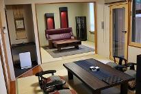 【欅】和洋リビング16畳+和室10畳+ベッドルーム10畳+檜露天風呂2ケ所完備