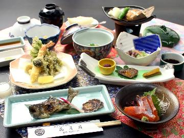 【一泊二食・松】白山の旬会席♪是非味わって欲しい貴重な旬の味覚で彩ります!