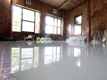 【冬スタンダード】<YAMABOKUワイルドスノーパークで遊ぶ>&<奥山田温泉の不思議な湯を体験>1泊2食付