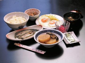 【料理民宿の朝食を楽しむ】直前予約もOK!蛸島漁港徒歩3分☆自慢の和朝食≪1泊朝食付≫