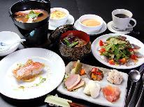 HP特別価格☆【地魚のポアレが好評♪】 創作洋食フルコースプラン [1泊2食]