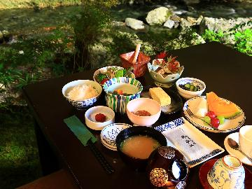 【朝食付】一日の始まりは、自慢の朝食から♪しっかり食べてご出発!