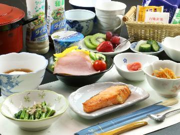 【一人旅OK♪】炊き立てご飯に幸せを感じる朝食付プラン★22:00までチェックインOK