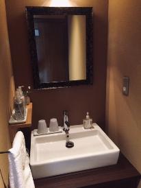 ◆本館:一日一組様限定◆ベッド部屋・お手洗い洗面付二間続きのお部屋【橘】(2019年4月改装)◆