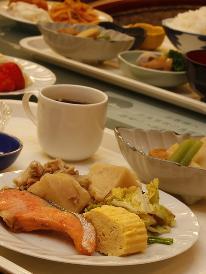 期間限定 素泊まり料金で朝食無料サービスさらにレイトアウトプラン