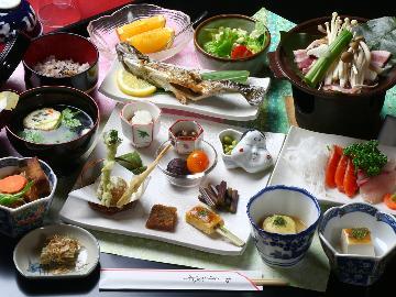 【スタンダード】当館の泉質に合わせた♪<漢方薬膳料理>心を込めておもてなし~土曜&連休限定プラン