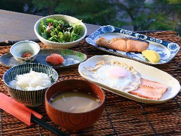 【朝食付】女将と大将の手作り和朝食♪一日のスタートは太平洋を一望しながらの朝食で気持ちを整えて