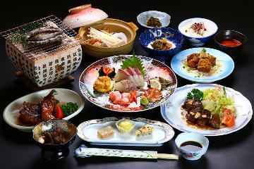 【1泊2食付】ひびき名物あわびの踊り焼き&サイコロステーキ付き会席料理【部屋食】