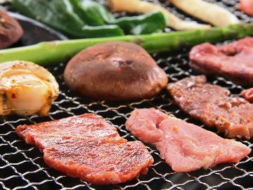 【手ぶらで!昼BBQ】≪三食付き≫屋根付きだから雨でも大丈夫♪お昼はワイワイ、夜は自慢の夕食をどうぞ!