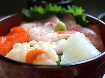 【超目玉企画★一泊二食付で一万円ポッキリ!】リーズナブルに海鮮を楽しむ!夕食は『新鮮☆海鮮丼』プラン