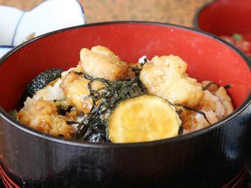 【日帰り】ご当地グルメ!牡蠣カバ丼を味わおう♪