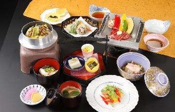トロン温泉と会席を楽しむ 2食(寝覚御膳)付プラン
