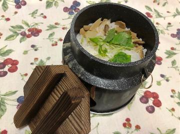 【秋の優雅旅】松茸・きのこ釜飯&信州牛の陶板焼き♪秋の味覚&温泉を堪能~