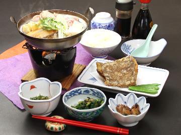 【日替わり定食】栄養バランスを考えられた、ボリューム満点の夕食付!《1泊2食》