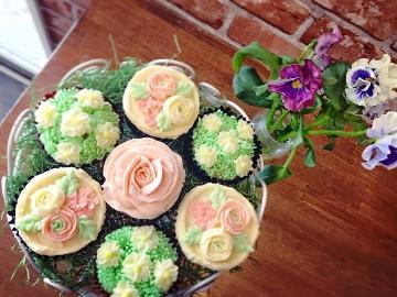 【カップケーキ・ドリンク特典付】女子会・記念日・お祝いに!サプライズ対応もいたします☆【1泊2食】