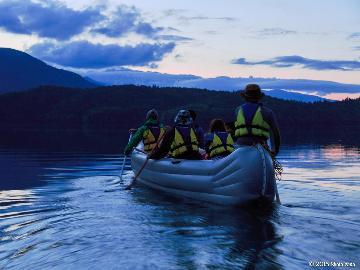 【ナイトレイククルージング】神秘的な夜の青木湖をクルージング♪お得なレジャーイベントセット≪一泊二食≫