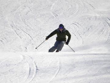 【スキー・スノボ☆応援】宿から板を履いてすぐスキー!!アクセス最高♪1泊2食付
