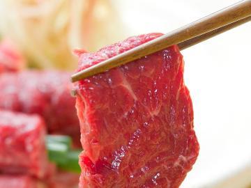 【グレードアップ】通常料理に《 信州名物。馬刺し 》が付きます♪臭みがなく濃厚な馬刺しをご賞味下さい