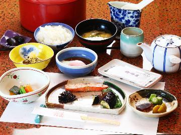 【1泊朝食】のんびり朝食のみ~朝拝で非日常体験