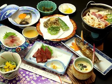 【お食事グレードアップ】湯けむり号で湯西川まで!往復3000円【鹿刺し&デザート付き】